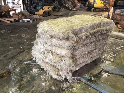 農業用廃プラスチックのリサイクルを行っております。