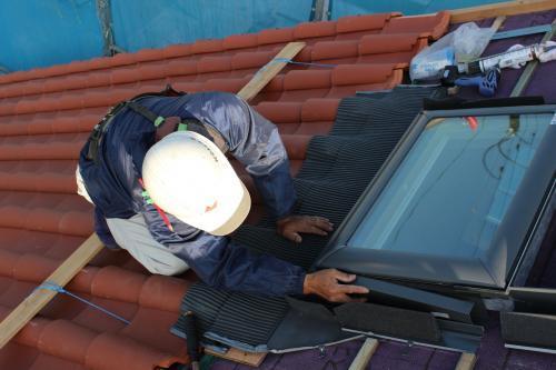 ベテラン技術者の仕事風景