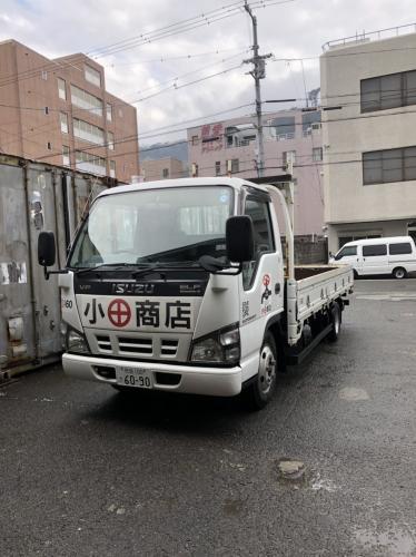 こんなトラックで配達します